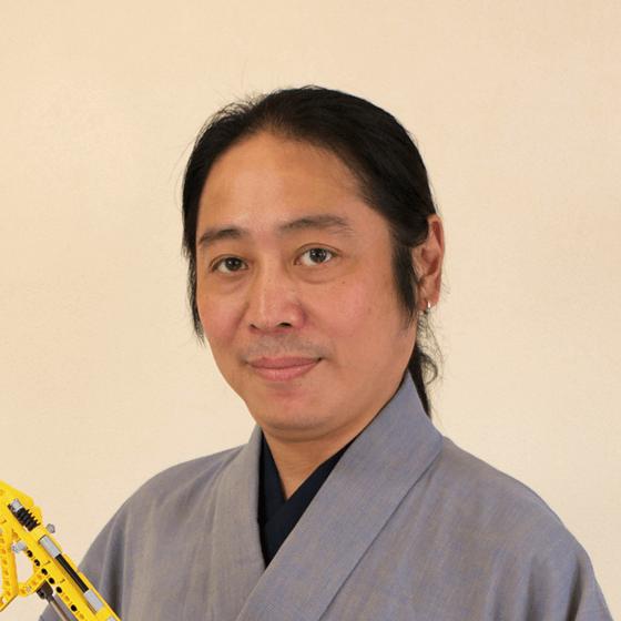 五十川芳仁先生の顔写真